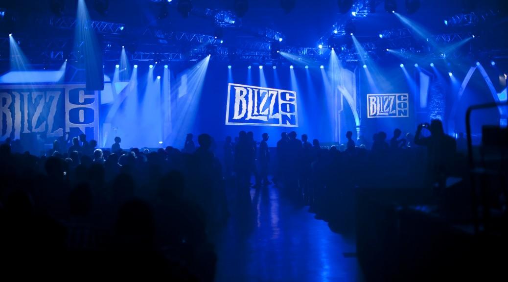BlizzCon2011-BlueCrowd